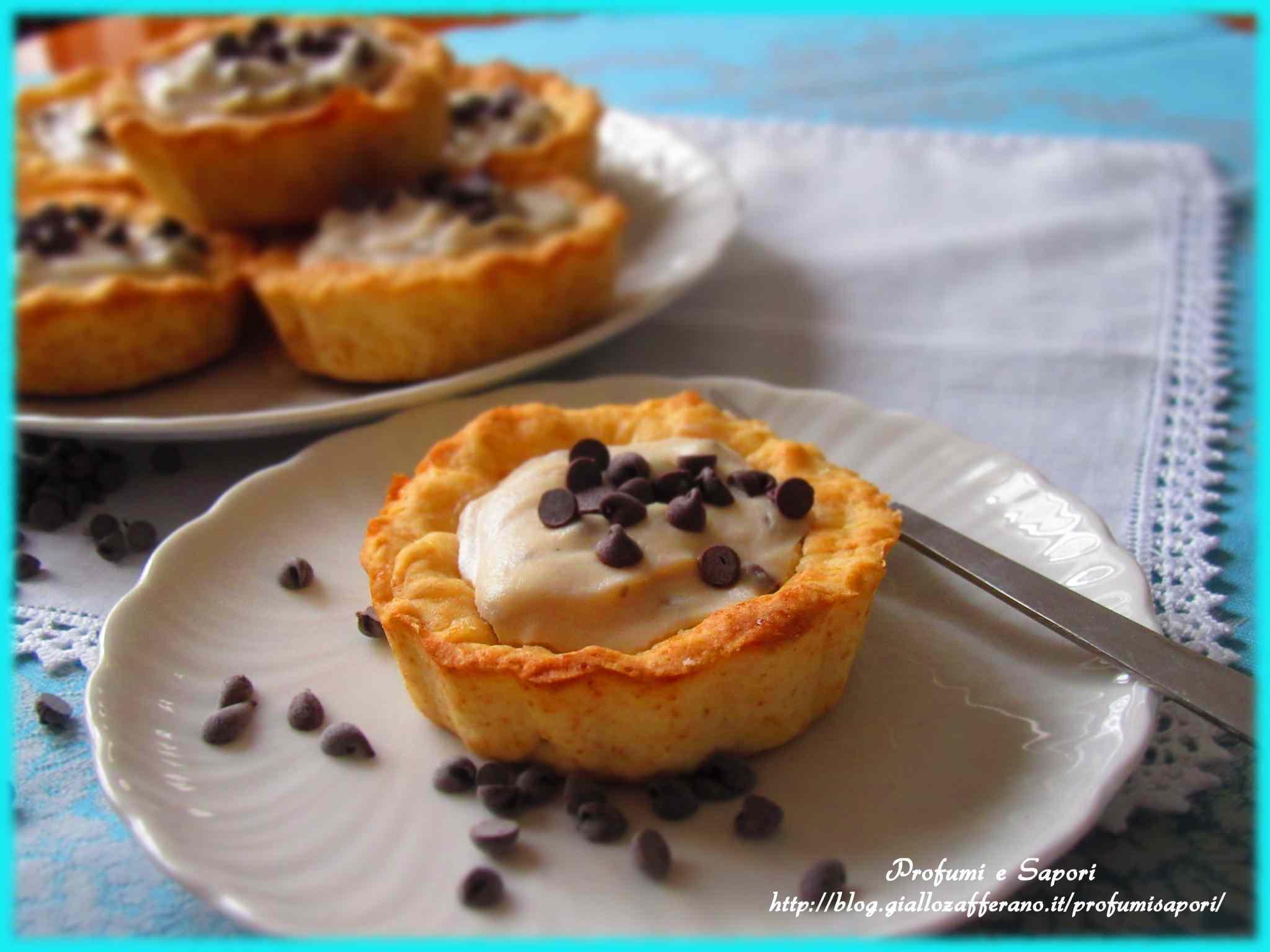 Crostatine con crema di ricotta e cioccolato