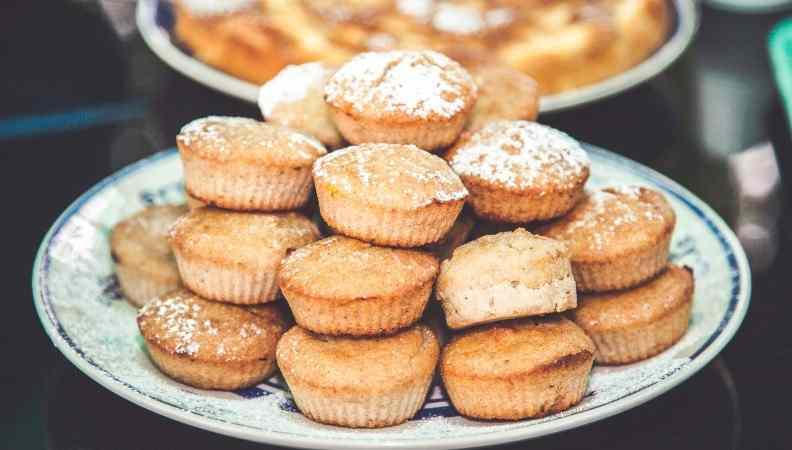 Muffin con marmellata alle pesche: la ricetta facile e gustosa