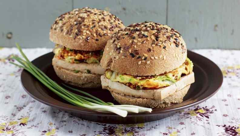 Ricetta: Buns con tofu e frittatine di verdure