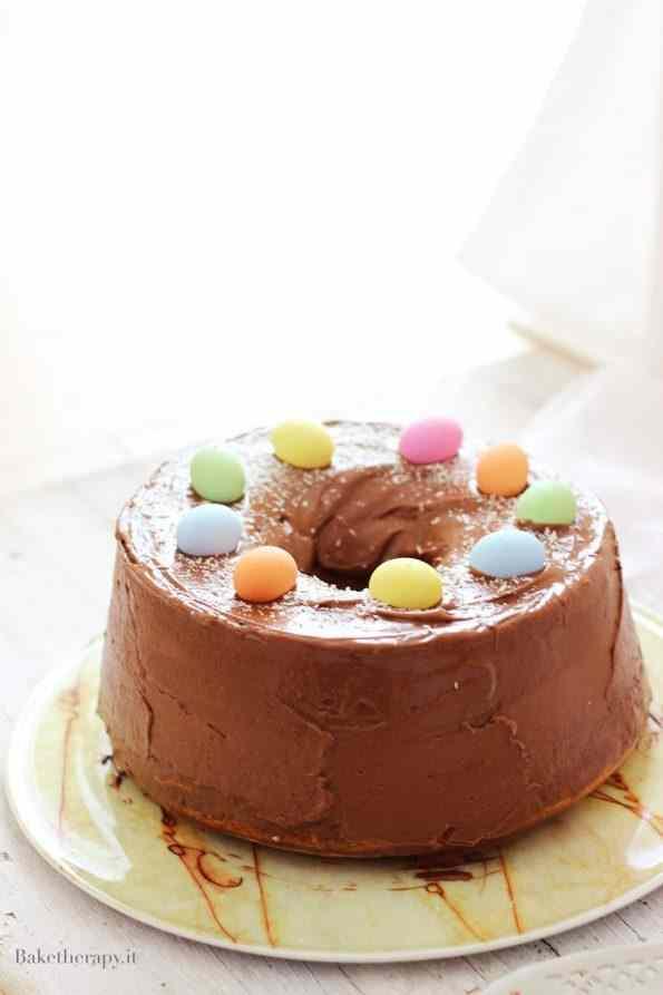 Chiffon cake con glassa al cioccolato