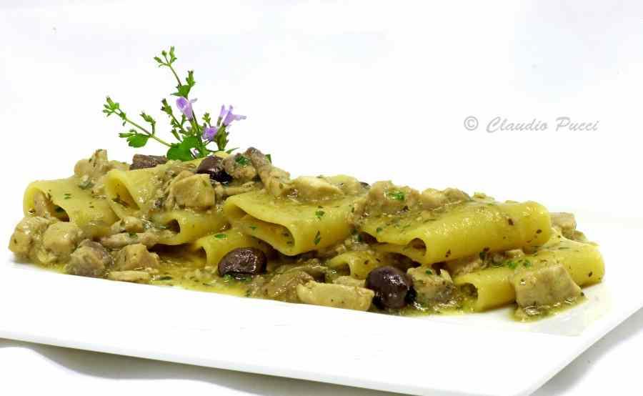 Paccheri con spada,melanzane e olive taggiasche