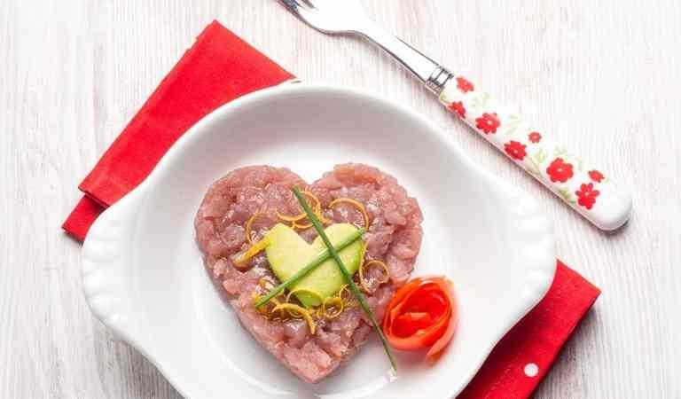 Tartare di tonno e avocado: stupisci a san valentino!