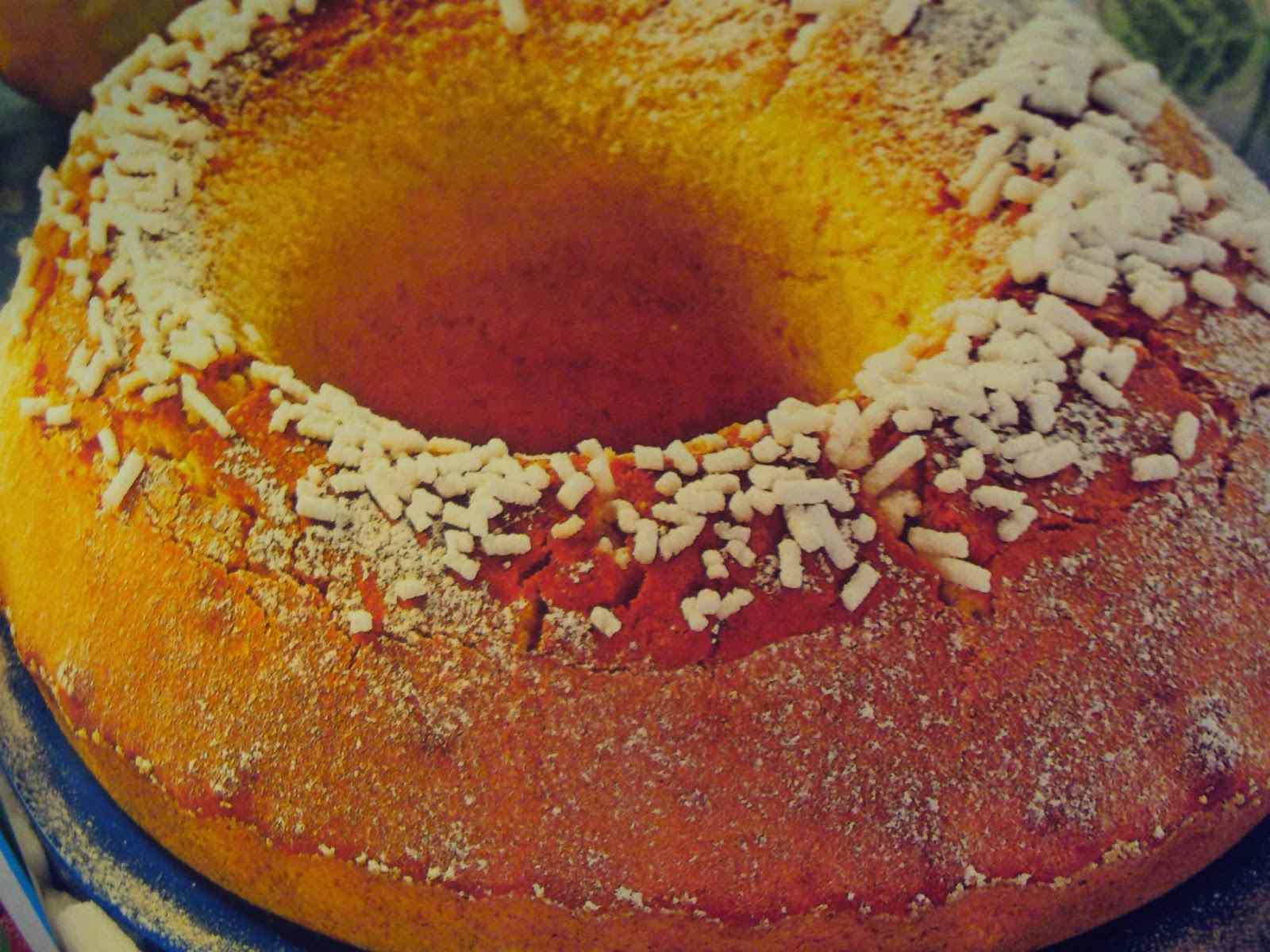 Ciambella ricoperta alla granella di zucchero