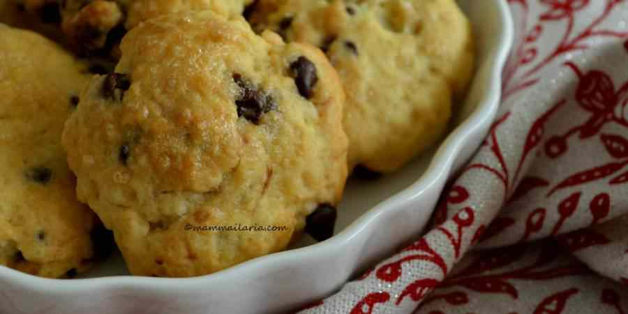Biscotti all\'agrume con cioccolato