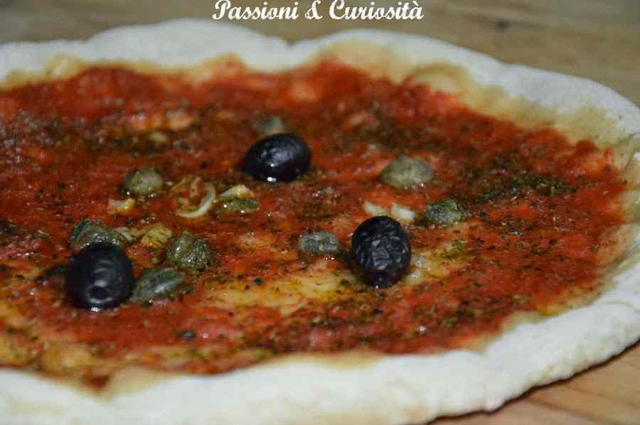 Pizza olive e capperi