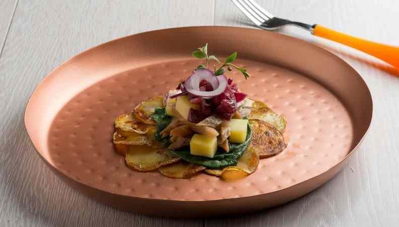 Ricetta: Insalata di aringhe e patate, un\'abbinamento che arriva dall\'est