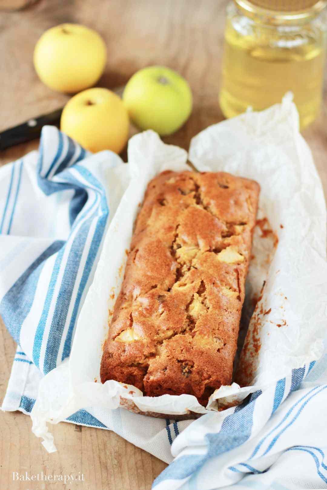Plumcake alle mele con miele d\'acacia e noci e consigli di lettura